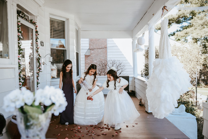 Bridesmaids in italy