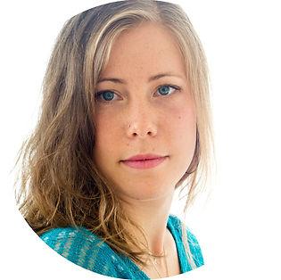 photo de nathalie fournasson, illustratrice et graphiste à Clermont-Ferrand, Portfolio, book et CV