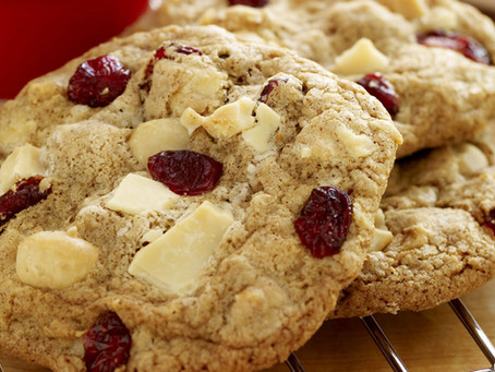 Reluctant Housewife: White Chocolate Cranberry Cookies