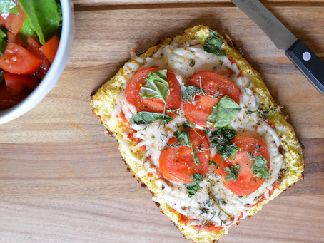 Reluctant Housewife: Cauliflower Rice Pizza