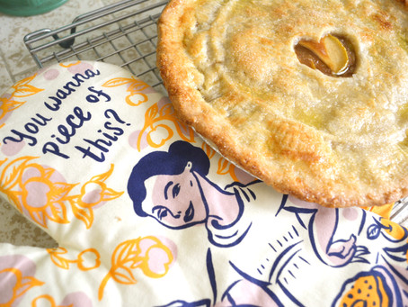 Reluctant Housewife: Caramel Apple Pear Pie, for when apple pie isn't good enough