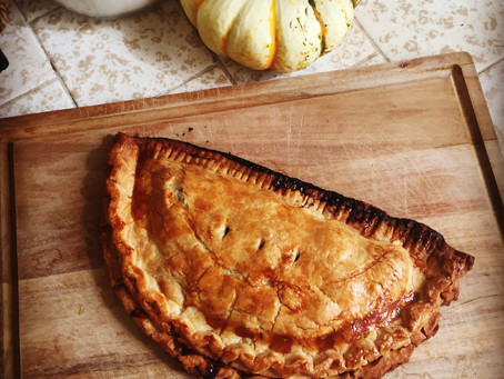 Reluctant Housewife: Apple Hand Pie