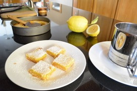 Reluctant Housewife: Gluten Free Lemon Bars
