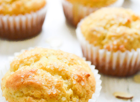 Reluctant Housewife: Simple Orange Muffins