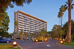 Hotel La Jolla, a Curio Collection by Hilton
