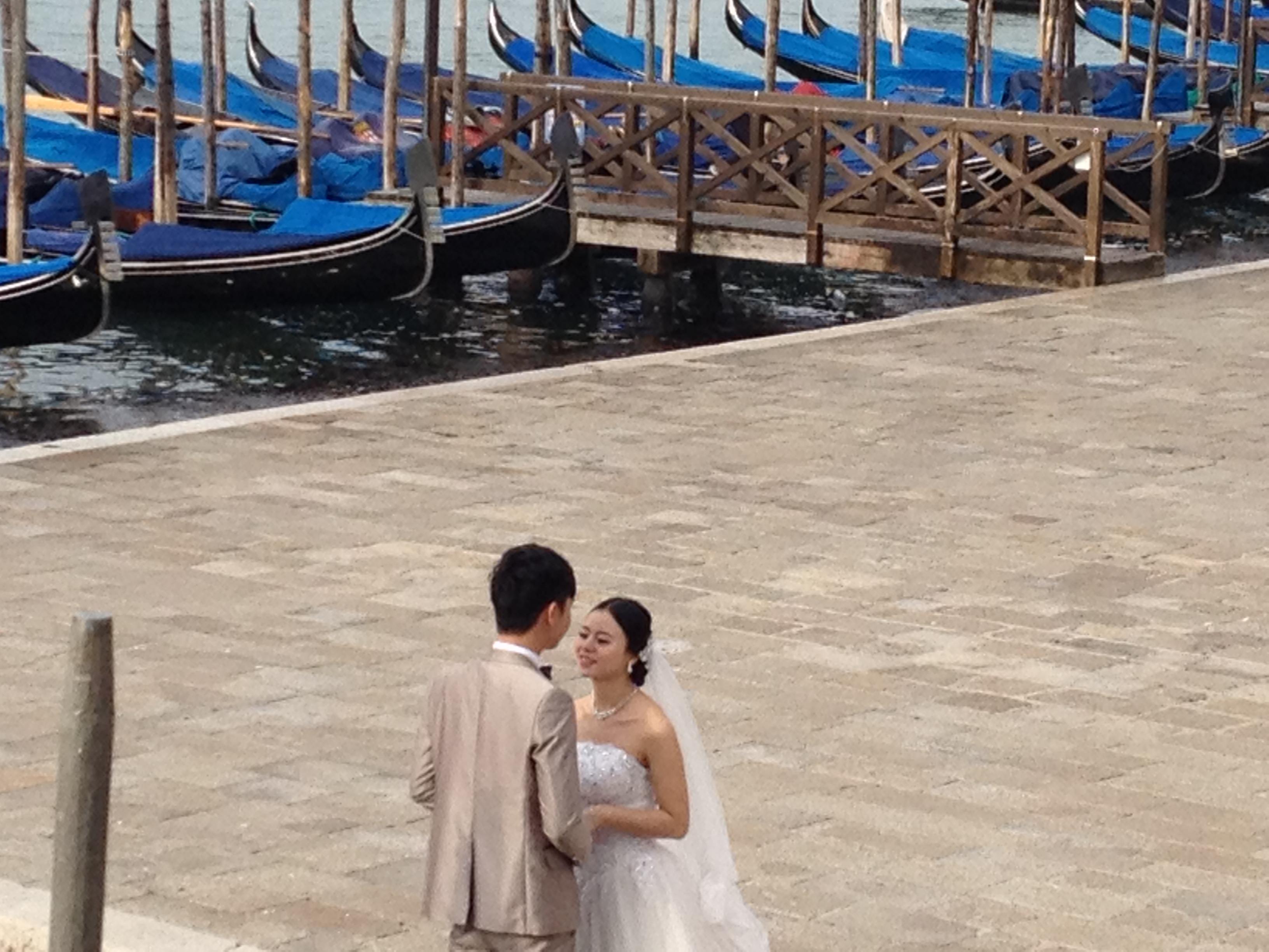 ITALY_Venice_Couple_Oliveira.JPG