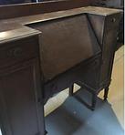 weird desk beg.PNG