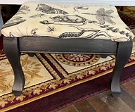 foot stool mouse front.PNG