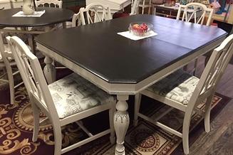 fancy leg table 1.PNG