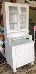 old wh hutch 1.JPG