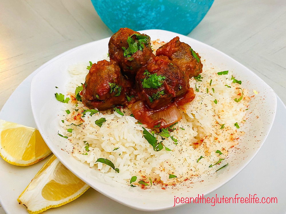 These mini meatballs made of minced lamb are delicious, easy to make, and full of wonderful spices!