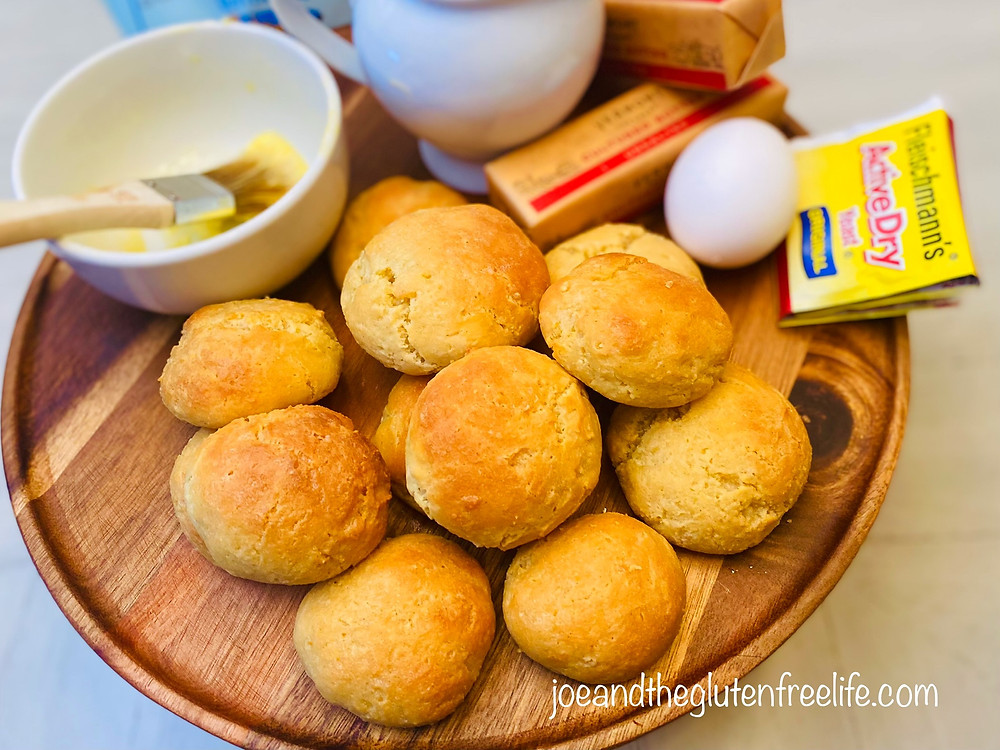 Soft, easy to make, flavorful and 100% delicious. These dinner rolls will become a favorite at your dinner table!