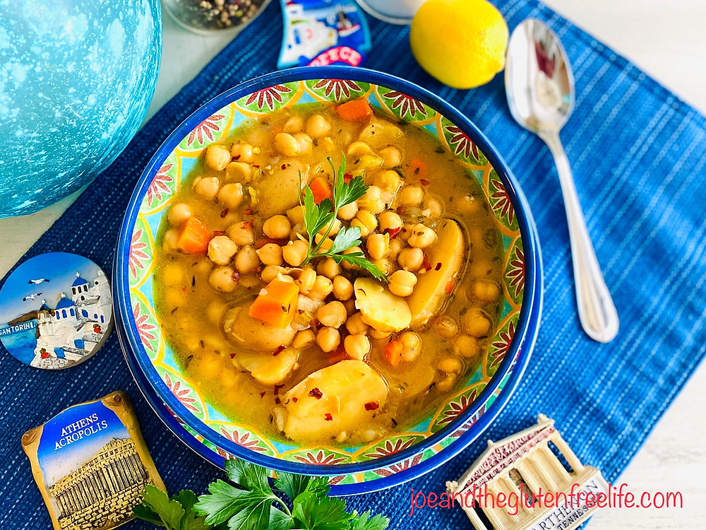 Learn how to make this easy and delicious chickpeas and potatoes soup that is 100% vegan and gluten free!