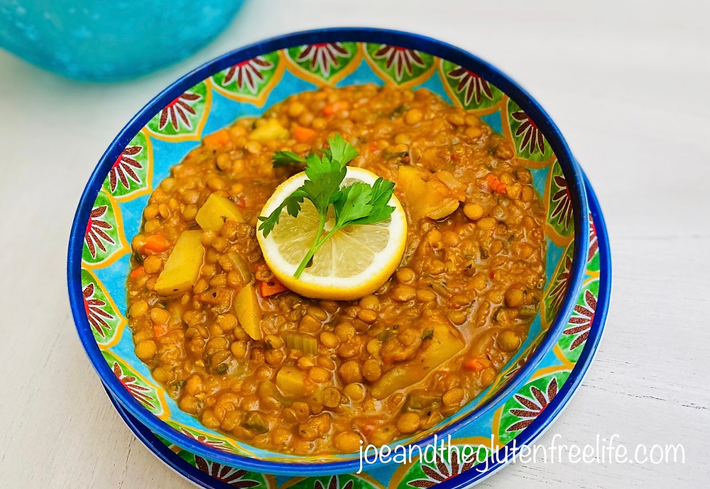 A healthy easy-to-make and delicious one pot lentil soup that packs a lot of Mediterranean flavors!