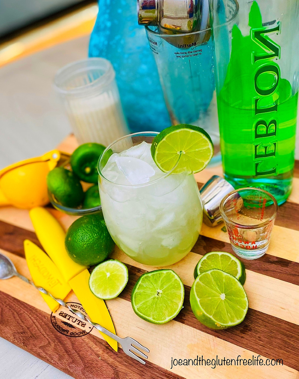 Learn how to make the national cocktail of Brazil! Only 4 ingredients needed: lime, sugar, cachaça, and ice!
