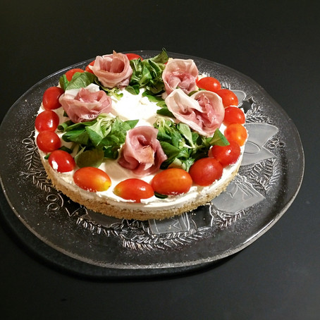 Cheesecake Salata Pomodorini, Songino e Fiori di Crudo