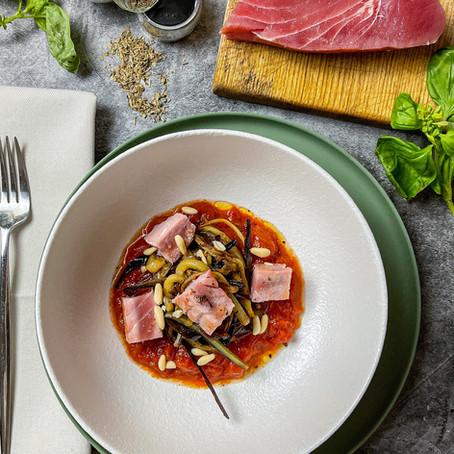 Spaghetti di zucchine e Tagliata di tonno