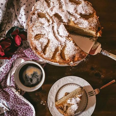 La torta di mele al calvados profumata alla cannella⠀
