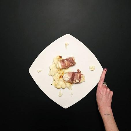 Involtini di Pollo ripieni in crosta di Pancetta Affumicata su Cavolfiore gratinato