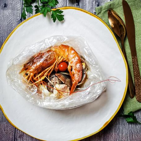 Zuppa di pesce al Curry in cartoccio trasparente⠀