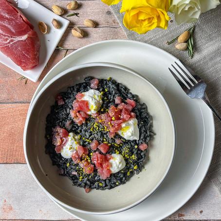 Risotto al nero di seppia, Burrata e tartare di tonno