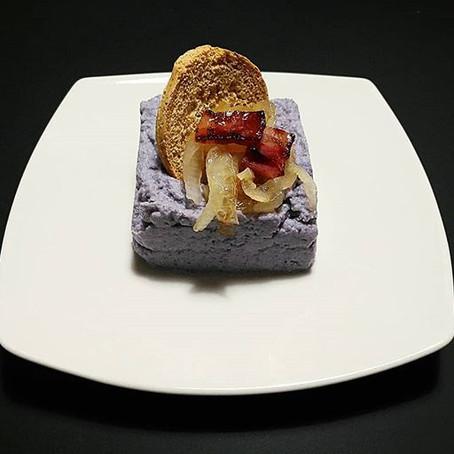 Tortino di Cavolfiore Viola, Cipolla Caramellata, Pancetta croccante & Frisellina Integrale