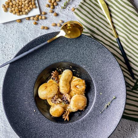 Seppioline marinate al Balsamico con crema di ceci al rosmarino