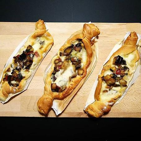 Barchette di Pizza Melanzane, Zucchine e Mozzarella di Bufala