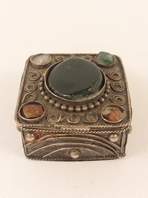 Antique Rust Silver Square Jewellery Boxes