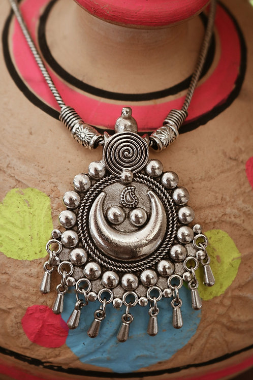 Indian Crescent Moon Engraved Necklace