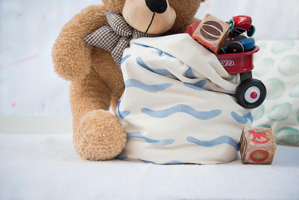 quarto-montessoriano-cesto-brinquedo