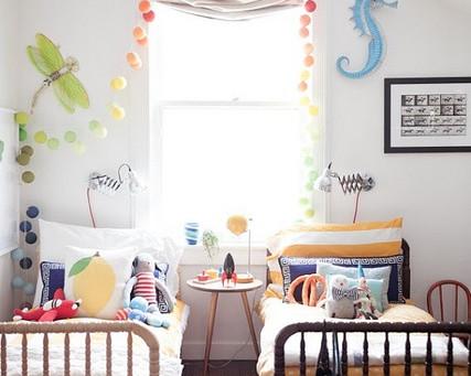 Ideias e soluções para decorar quarto de irmãos
