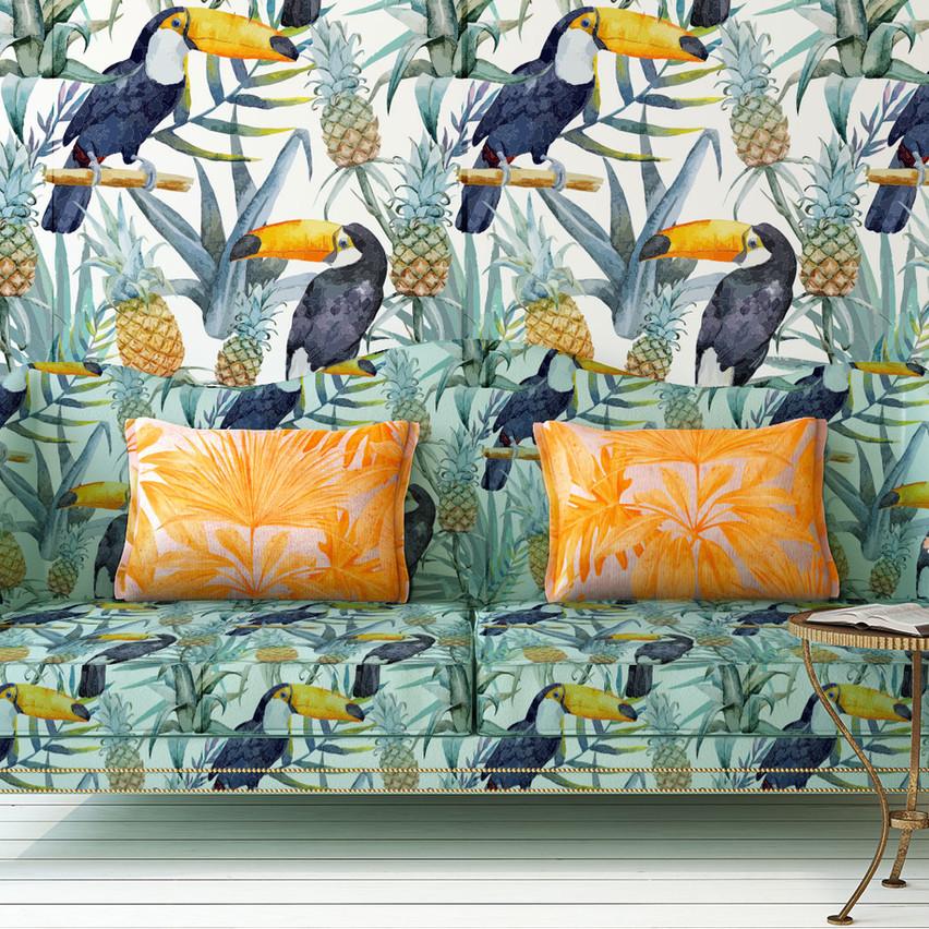 Tropical Print Sofa und Wand
