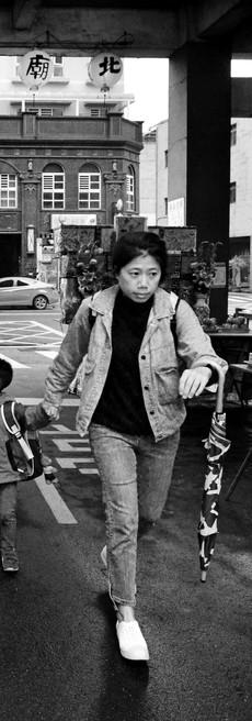 DSC_3319赤峰攝影獎_放學了_陳銓興.jpg