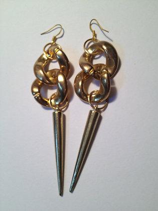 Rock Right Spike Earrings in Gold