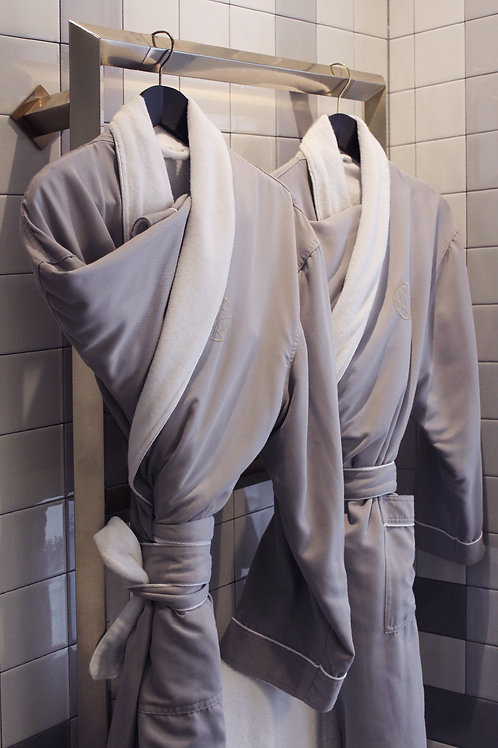Nolinski bathrobe