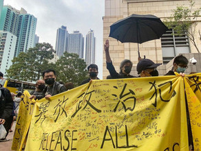 Hundreds protest as HK locks up 47 democracy activists and politicians