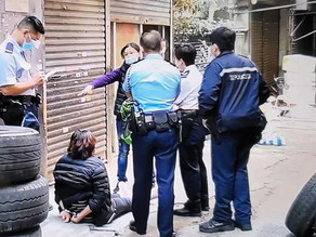 HK police handcuff and arrest a heavily pregnant woman