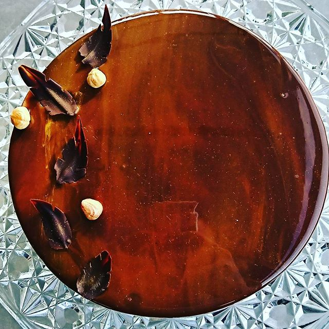 #cake #glazing #gateau #yummy #miam #pastry #pastrylife #cooking #cook #glacage #miroir #eat #noiset