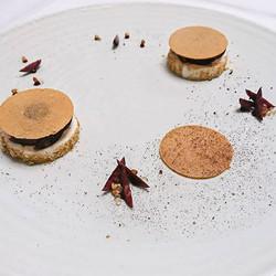 Nouveau dessert autour du sarrasin grillé, de la cerise noire et du gingembre__#pastry #patisserie #