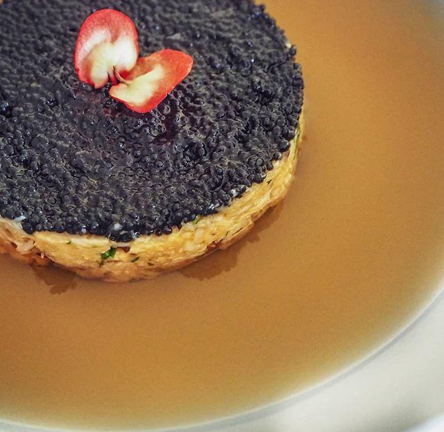Gelée de crevette, crabe et caviar