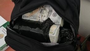 Detienen a ecuatoriano con un millón de dólares en Tumbes, Perú