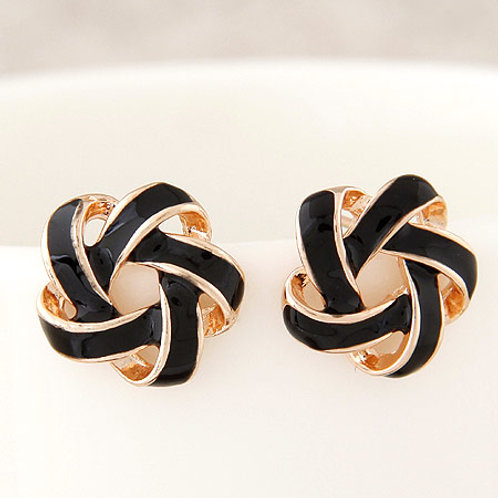 Sweet spiral flower woven unique ear studs (black)