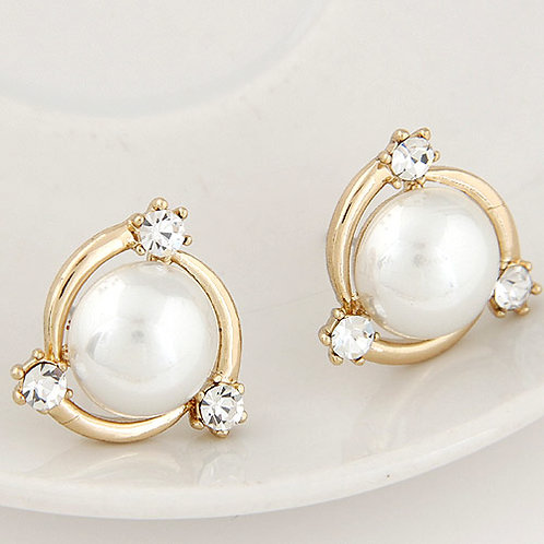 Exquisite Sweet Pearl unique ear studs