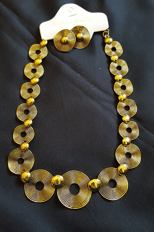 Beautiful dull gold Antique style necklace set