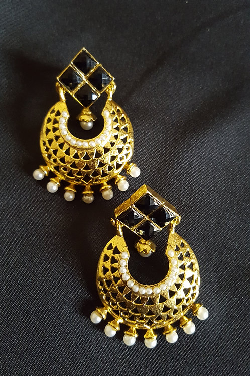 Gold plated Stylish Party Earrings with pearls