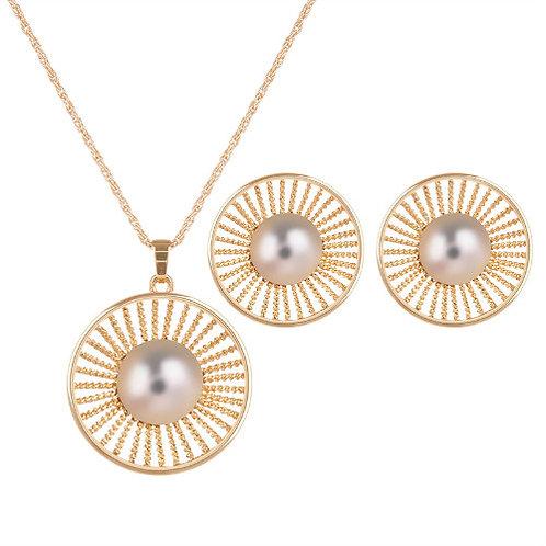 Elegant pearl setting round shape necklace set