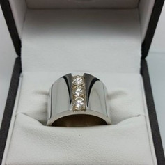 Wayne-Lynch-Jewellers-Custom-Jewellery-5-300x300.jpg