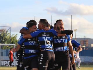 Tubarão estreia com empate na Série B