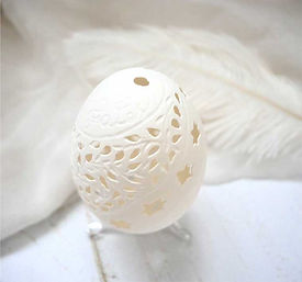 hatchfullyyours-handcarved-eggshell-scul